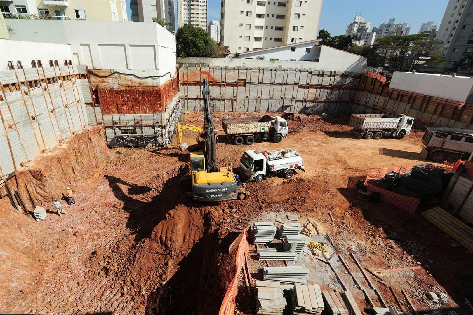 Atmosfera de 3 a 4 dormitórios em Bosque Da Saúde, São Paulo - SP